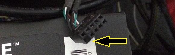 USBの配線ケーブルのピン穴欠け